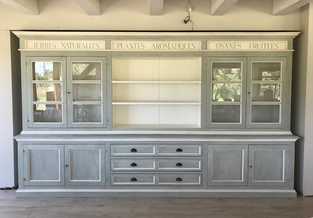 Librerie e armadi in stile provenzale shabby chic e country